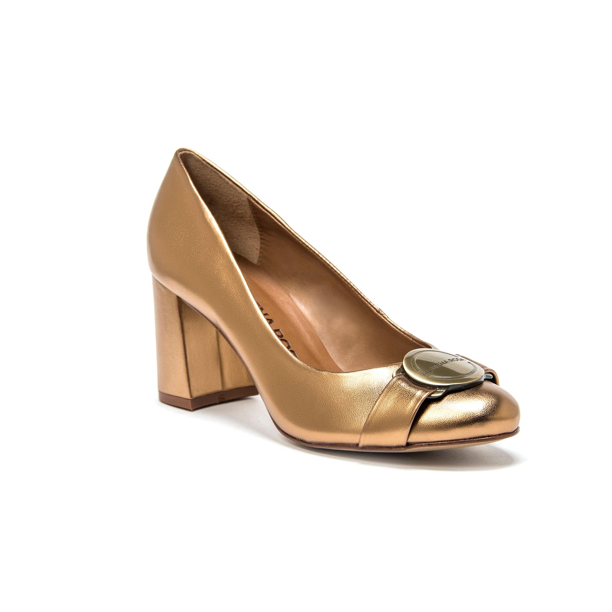 00c3f175cc Scarpin Salto Medio Com Metal Personalizado Dourado - morenarosa