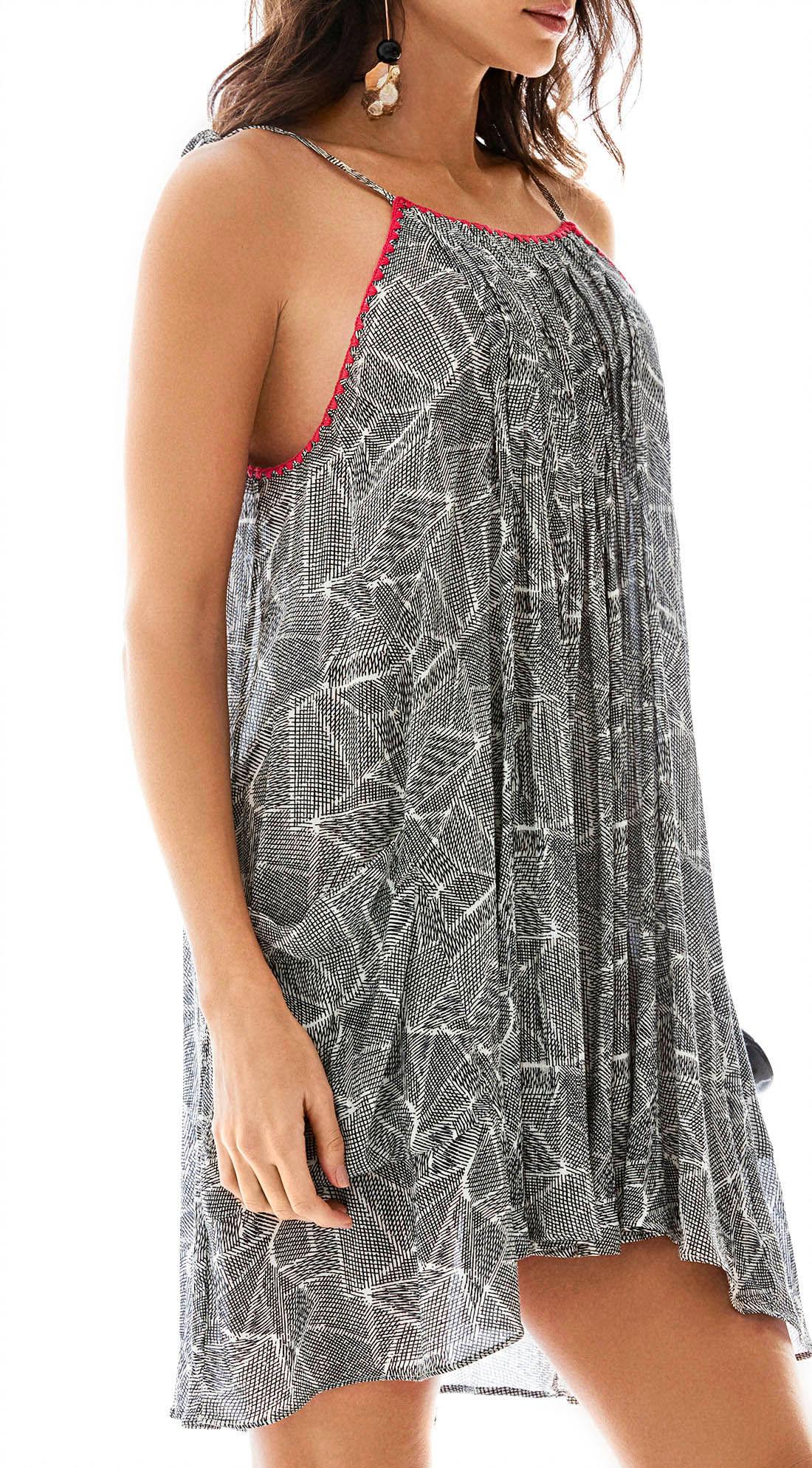 8b15b7730a98 Vestido Curto Decote Redondo Detalhe Croche Preto - morenarosa